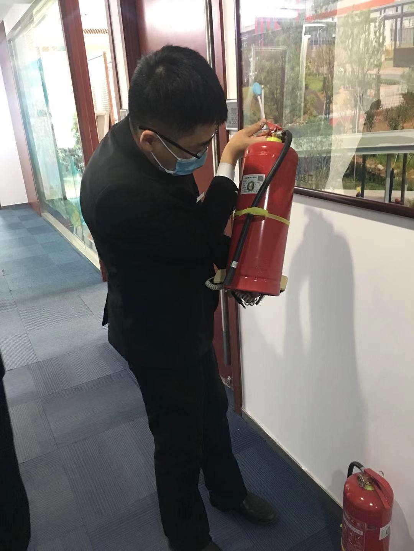 实业公司组织上半年对大厦消防设施设备检测及租户消防安全检查